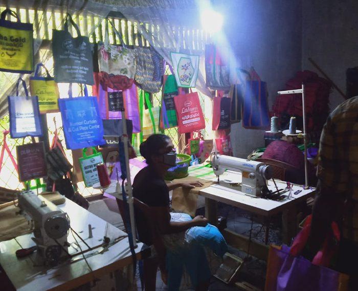 #431 Sri Lanka: Sewing Machines and Fabric